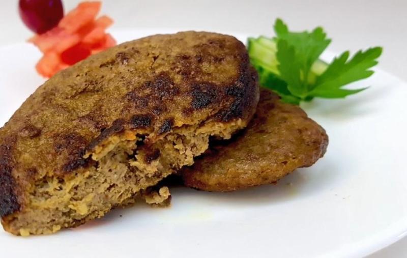 Печеночные котлеты с картофелем и луком по-домашнему