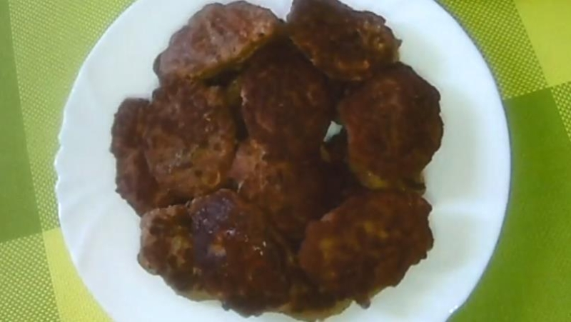 Пошаговый рецепт печеночных котлет с манкой — быстро и просто