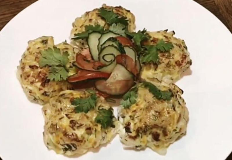 Вкусные диетические котлеты из куриной грудки (филе) на пару в духовке