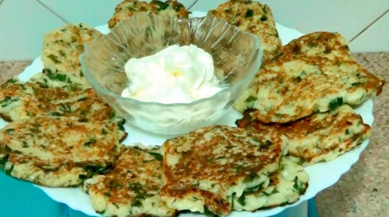 Ленивые пирожки с капустой на кефире жареные на сковороде