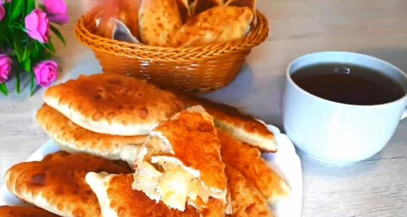 Пирожки на кефире Лапти с капустой – мягкие и очень вкусные