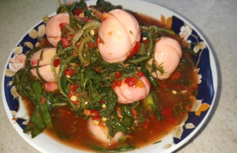 Простой рецепт салата из ботвы редиса по-корейски