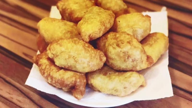 Вкусные пирожки с капустой из слоеного дрожжевого теста (рецепт на сковороде)