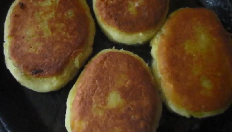 обжарить пирожки с капустой